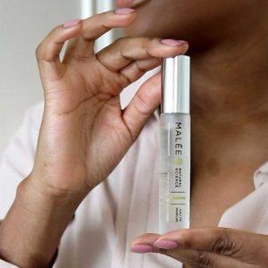 Malée Natural Science Verdure Luxury Eau de perfume woman holding scent